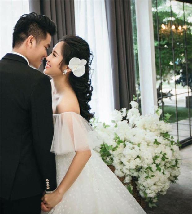 Hé lộ ảnh cưới của Lê Phương cùng bạn trai phi công kém 7 tuổi trước ngày lên xe hoa - Ảnh 2.