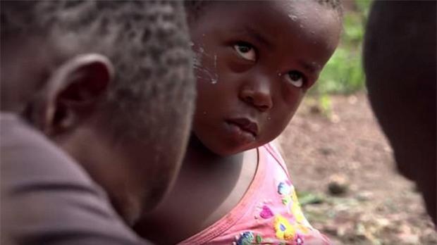 Cuộc sống địa ngục của hơn 40.000 trẻ em tại các khu mỏ châu Phi - Ảnh 3.