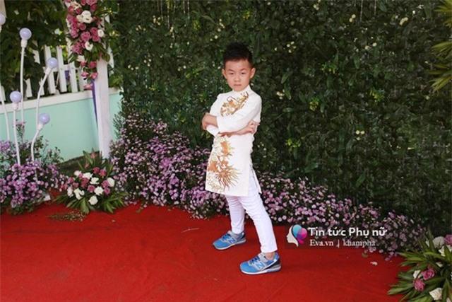 """con trai le phuong """"quay mau lua"""" trong dam cuoi cua me va cha duong - 12"""