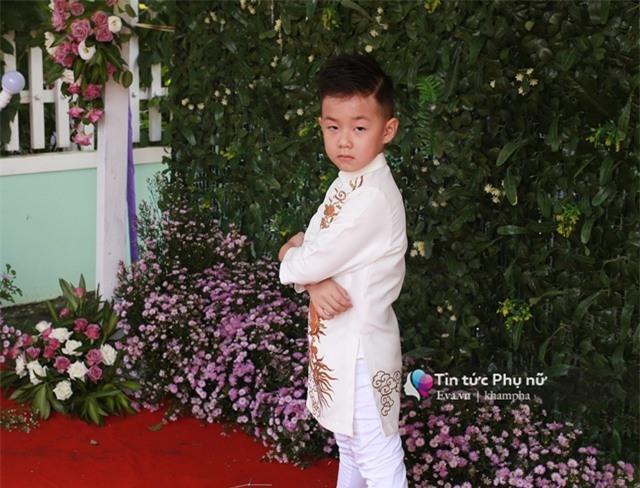 """con trai le phuong """"quay mau lua"""" trong dam cuoi cua me va cha duong - 13"""