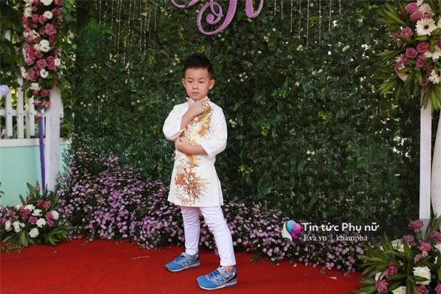 """con trai le phuong """"quay mau lua"""" trong dam cuoi cua me va cha duong - 14"""