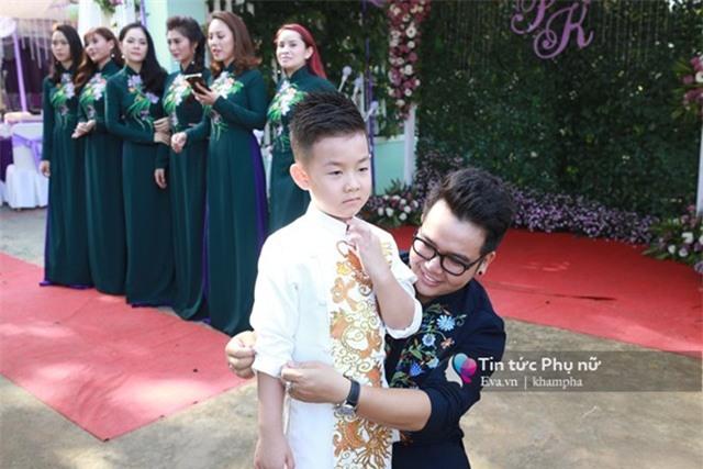 """con trai le phuong """"quay mau lua"""" trong dam cuoi cua me va cha duong - 9"""