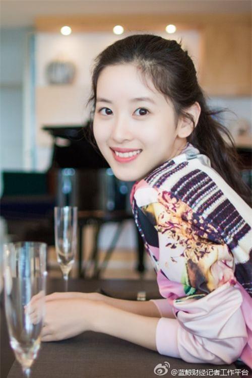 Sau khi kết hôn, cô bé trà sữa xinh đẹp trở thành nữ tỷ phú trẻ tuổi nhất Trung Quốc - Ảnh 4.