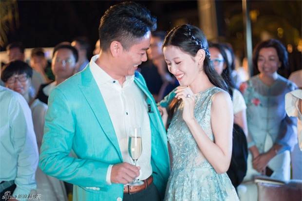 Sau khi kết hôn, cô bé trà sữa xinh đẹp trở thành nữ tỷ phú trẻ tuổi nhất Trung Quốc - Ảnh 6.