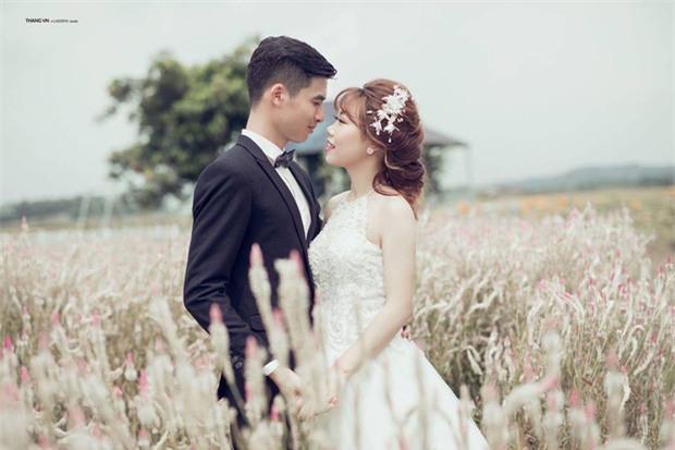 Chuyện tình đẹp như phim của cặp đôi Việt làm bạn 20 năm rồi cưới - Ảnh 1.