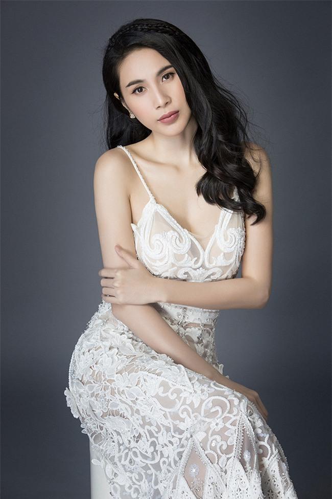 Những bà mẹ một con dáng đẹp, eo thon của showbiz Việt-7
