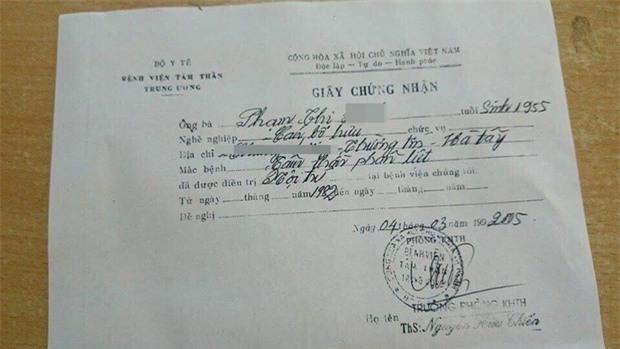 Chôm quần áo hàng hiệu về bán trên vỉa hè, bà cụ bị các shop ở Hà Nội kéo đến đòi lại đồ - Ảnh 6.