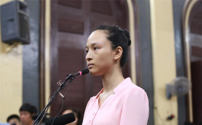 Tạm đình chỉ vụ án hoa hậu Phương Nga - Cao Toàn Mỹ