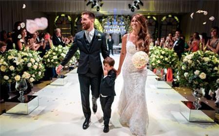 Messi vừa mới lấy vợ hồi tháng 6 hè này