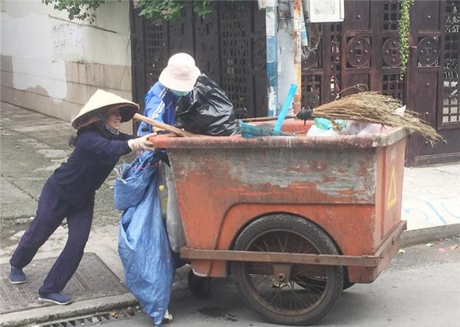 Ước mơ của chàng tân sinh viên khiến người mẹ đẩy xe rác rơi nước mắt - Ảnh 3.