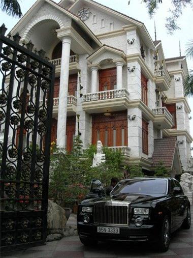 lâu đài, biệt thự, nữ đại gia, Diệu Hiền, dinh thự