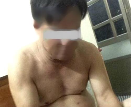 Vào nhà nghỉ với nam thanh niên, chủ tịch xã bị tung ảnh khỏa thân - Ảnh 1.