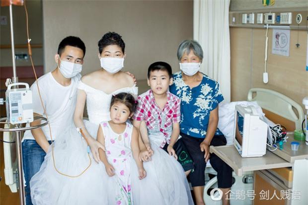 Bức ảnh cưới trong nước mắt và món quà cuối cùng của người vợ dành tặng cho chồng - Ảnh 2.