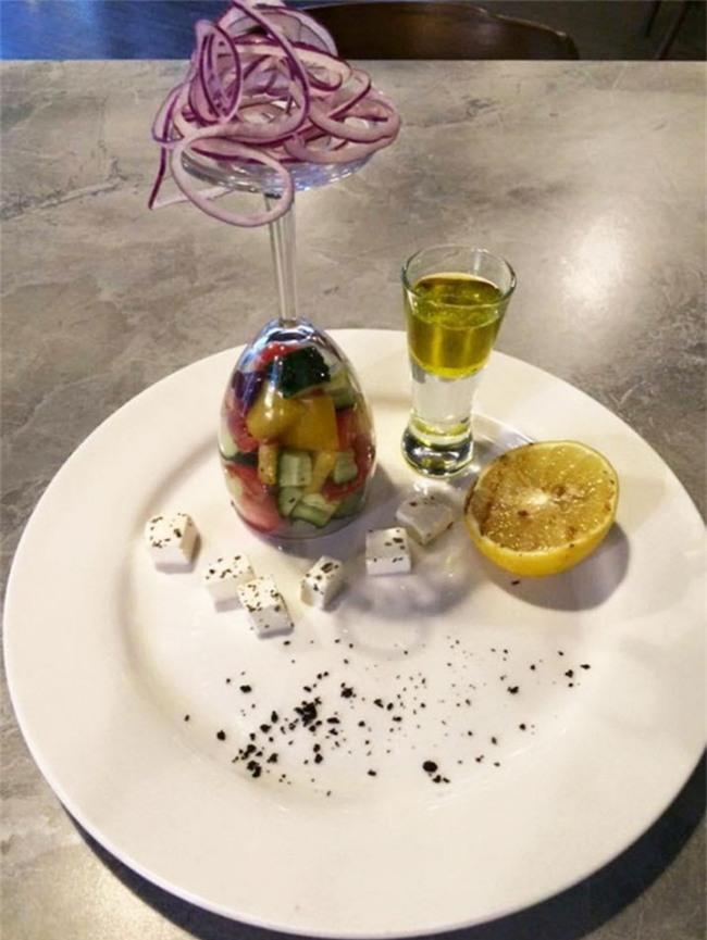 Những đĩa thức ăn độc nhất vô nhị của các nhà hàng khiến thực khách chỉ biết câm nín - Ảnh 5.