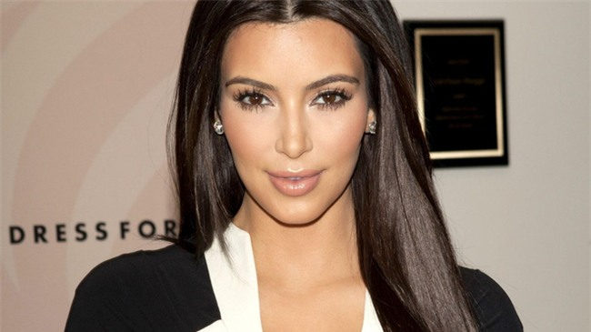 """Bí mật mái tóc bóng, sáng óng ánh của cô Kim """"siêu vòng 3"""", bạn cũng làm được - Ảnh 3."""