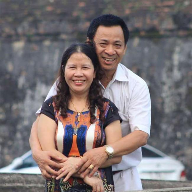 Chuyện người chồng U60 khóc nấc một mình, ngày đêm săn sóc bà vợ mắc nan y - Ảnh 2.