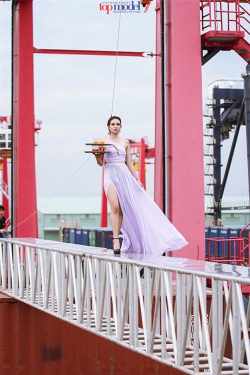 Những thử thách của Next Top Model khiến thí sinh 'cứng' đến mấy cũng khóc thét-12