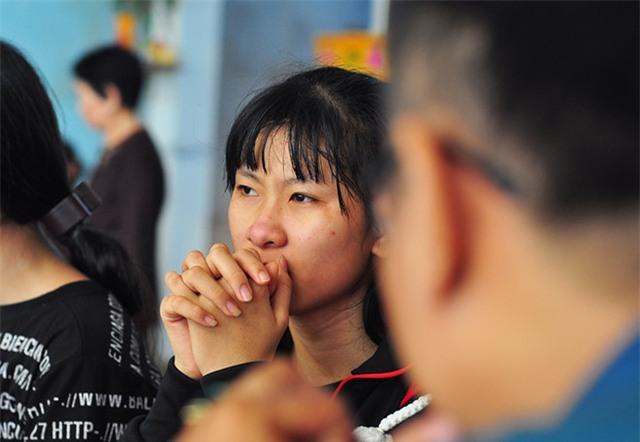 vụ ban chet nu sinh lop 11 o dong nai: nguoi nha nan nhan lan hung thu dau don len tieng - 1