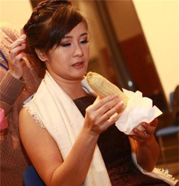 Sau sự hào nhoáng bên ngoài của showbiz, vẫn có những khoảnh khắc sao Việt giản dị đến khó tin! - Ảnh 23.