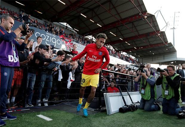 Neymar nổ súng, tỏa sáng rực rỡ trong ngày ra mắt PSG - Ảnh 3.