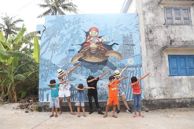 Làng bích họa mới ra mắt ở Lý Sơn