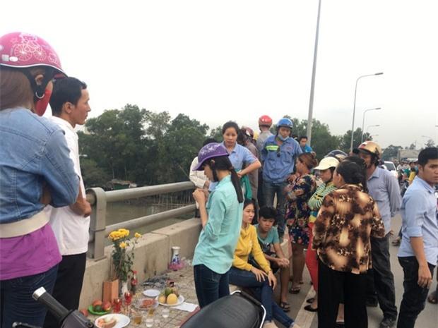 Cô gái ngây dại đứng nhìn người yêu gieo mình xuống sông Sài Gòn tự tử - Ảnh 1.