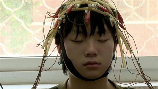 Trung Quốc: Tử vong sau 48 giờ nhập trại cai nghiện internet - Ảnh 2.