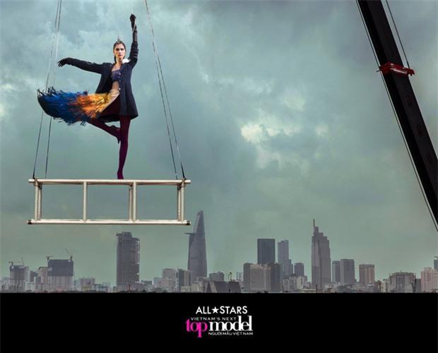 Vietnams Next Top Model photoshop kiểu mới: Chọn 1 hình nền rồi ghép tất cả thí sinh vào? - Ảnh 3.