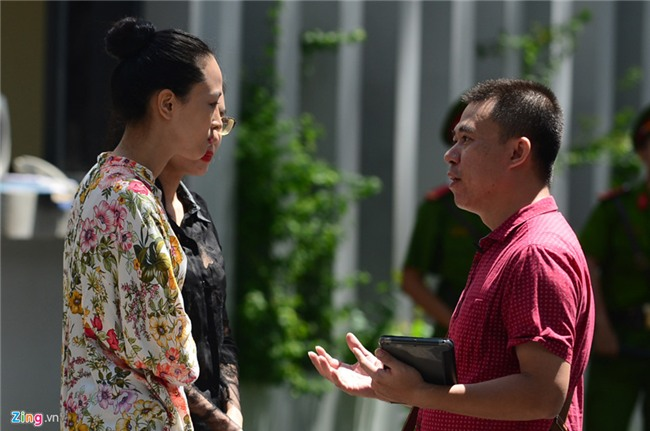 Hoa hau Phuong Nga, Thuy Dung xuat hien sau 45 ngay tai ngoai hinh anh 2