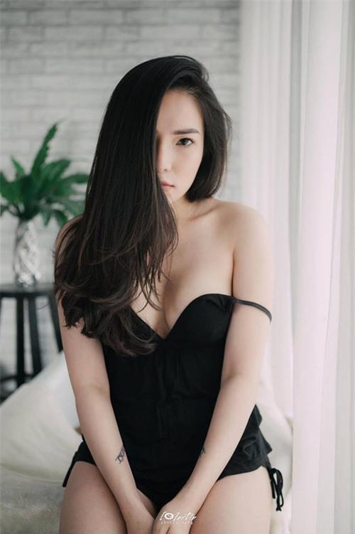 Giữa ồn ào chồng cũ chia tay tình mới, Lý Phương Châu tung bộ ảnh sexy đến bất ngờ! - Ảnh 2.