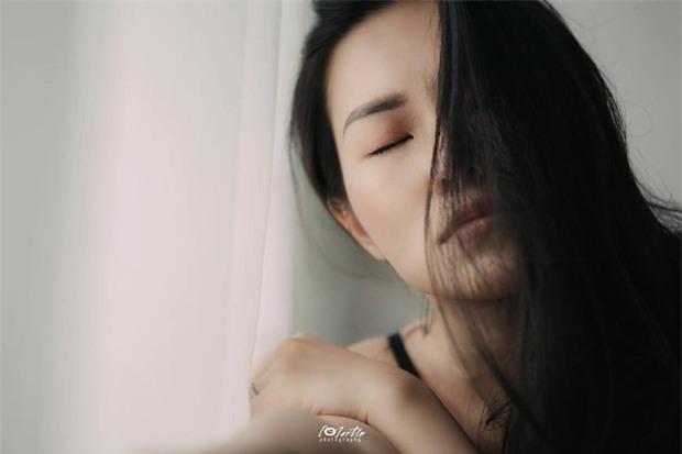 Giữa ồn ào chồng cũ chia tay tình mới, Lý Phương Châu tung bộ ảnh sexy đến bất ngờ! - Ảnh 4.