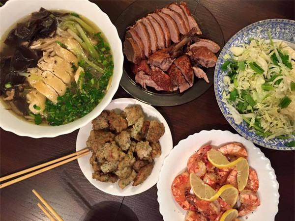 'Phát hờn' với 5 mâm cơm phiên bản 'chồng nhà người ta' nấu tặng vợ-1