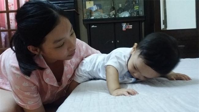 Cuộc sống mới của bé trai 1 tuổi bị bạo hành thập tử nhất sinh tại ngôi nhà ông bà ngoại - Ảnh 5.