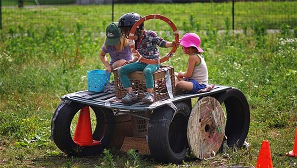 Quẳng ngay ipad, đồ chơi đi, sân chơi này mới là nơi lý tưởng cho sự phát triển mọi mặt của trẻ - Ảnh 2.