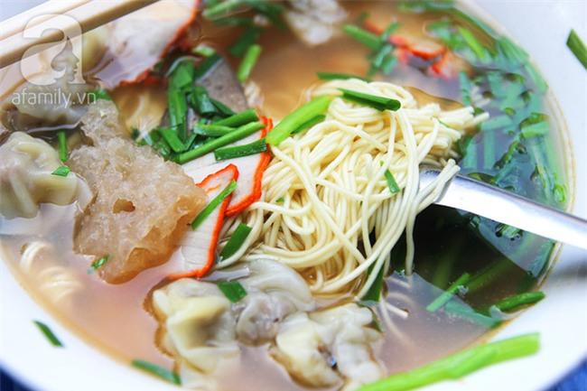 4 quán ăn có giờ mở cửa dị nhưng lúc nào cũng đông khách Hà Nội - Ảnh 16.