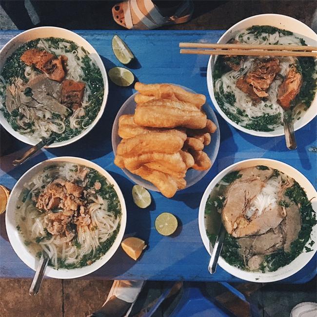 4 quán ăn có giờ mở cửa dị nhưng lúc nào cũng đông khách Hà Nội - Ảnh 7.