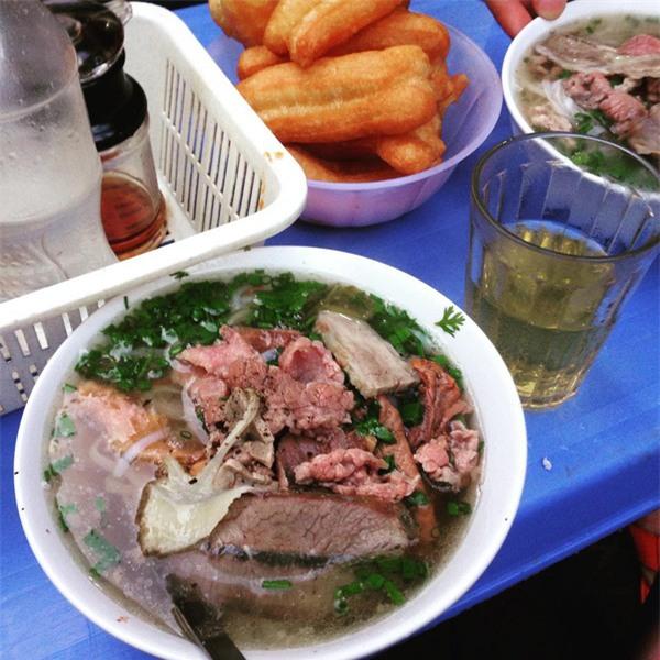 4 quán ăn có giờ mở cửa dị nhưng lúc nào cũng đông khách Hà Nội - Ảnh 8.