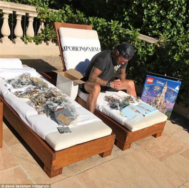 Cưng Harper nhất nhà, David Beckham bỏ cả tuần lễ để xây lâu đài cho con gái yêu - Ảnh 2.