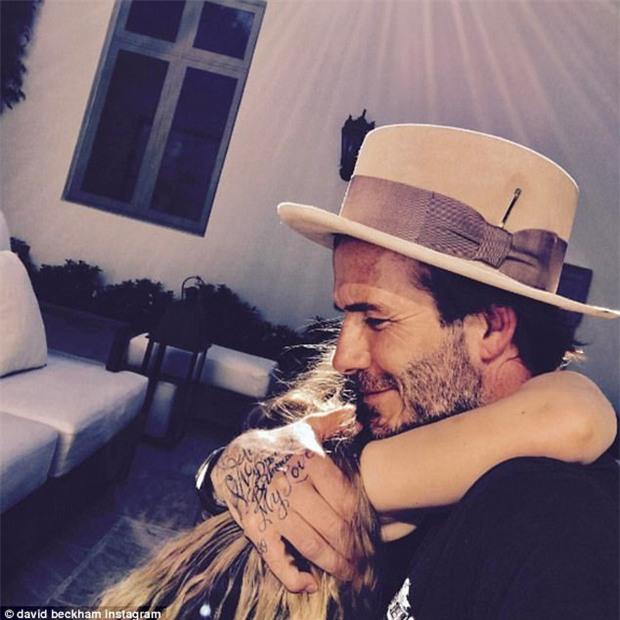 Cưng Harper nhất nhà, David Beckham bỏ cả tuần lễ để xây lâu đài cho con gái yêu - Ảnh 3.
