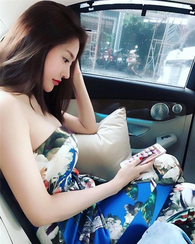 Linh Chi sexy từ phong cách đời thường đến thời trang thảm đỏ-1