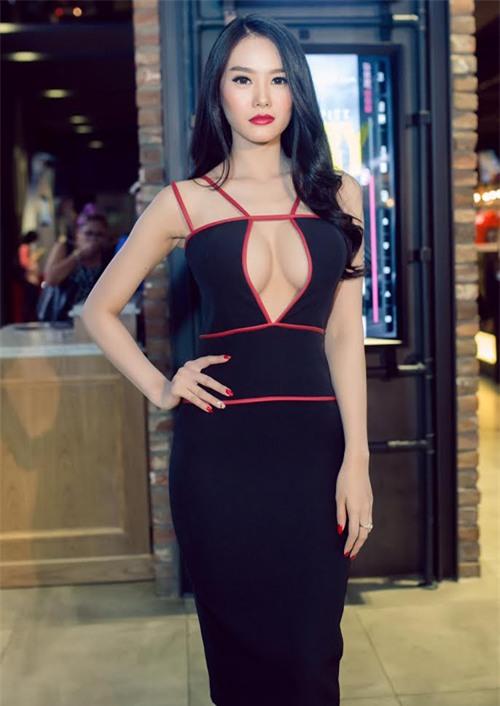 Linh Chi sexy từ phong cách đời thường đến thời trang thảm đỏ-10