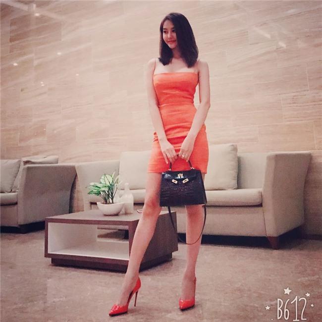 Linh Chi sexy từ phong cách đời thường đến thời trang thảm đỏ-5