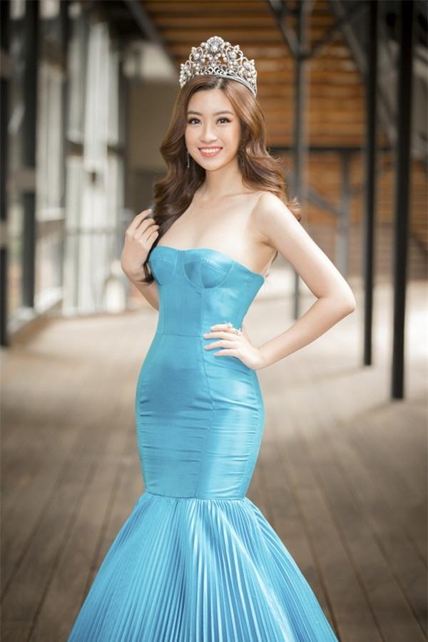Hoa hậu Đỗ Mỹ Linh khoe vẻ đẹp tinh khôi khi trở thành 'Miss World Vietnam 2017'-2