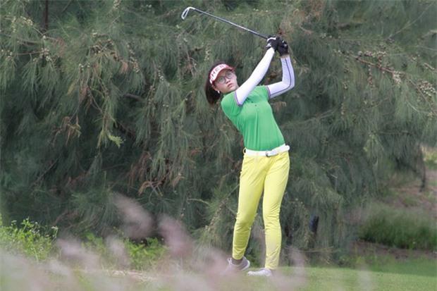 Golf thủ chân dài, xinh như hot girl trẻ nhất đoàn thể thao Việt Nam tại SEA Games 29 - Ảnh 5.