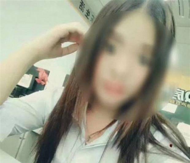 Đi làm muộn, thiếu nữ 15 tuổi tử vong sau khi bị sếp phạt gập gối 100 lần liên tục - Ảnh 1.