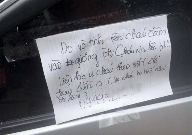 Bị va quệt xước xe, nhưng chủ xe không thể giận vì một mảnh giấy để lại  - Ảnh 4.