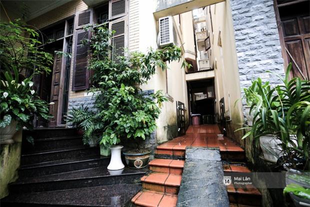 Căn nhà cổ kính, rợp bóng cây xanh của ông trùm Phan Thị - NSND Hoàng Dũng - Ảnh 3.