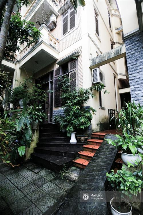 Căn nhà cổ kính, rợp bóng cây xanh của ông trùm Phan Thị - NSND Hoàng Dũng - Ảnh 5.