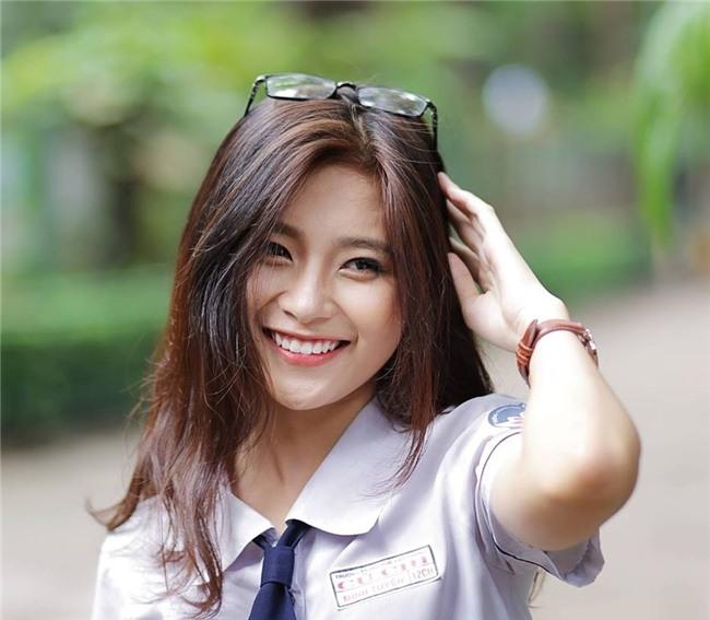Lop truong 'nha nguoi ta': Xinh xan, hoc gioi, hat hay, nhay dep hinh anh 1