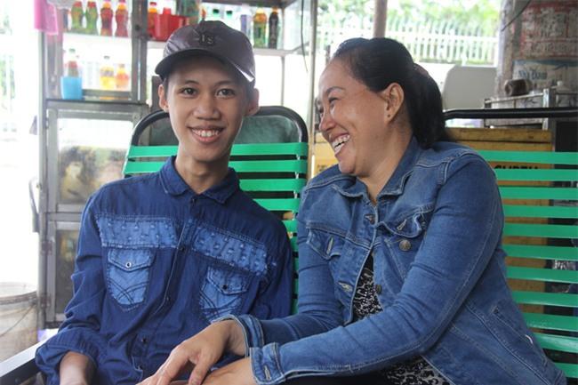 Tìm thấy con trai bị tâm thần mất tích sau 2 tháng, người mẹ vỡ òa hạnh phúc - Ảnh 3.